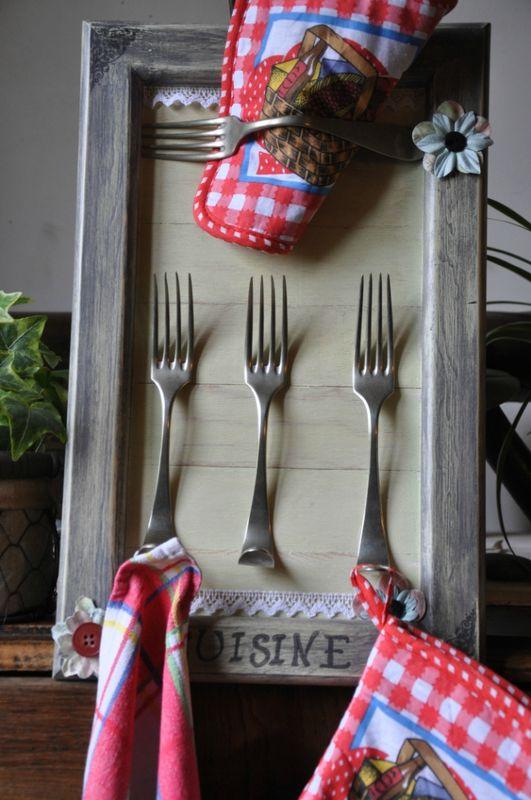 Cadre cuisine accroche torchons d coration du bontemps for Accroche torchons cuisine