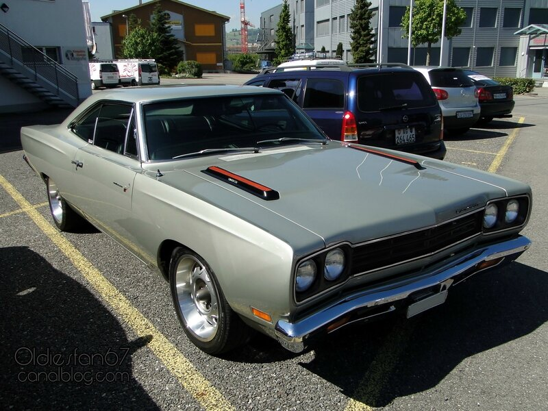 plymouth-road-runner-hardtop-1969-01