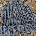 Le bonnet à côtes 2*2