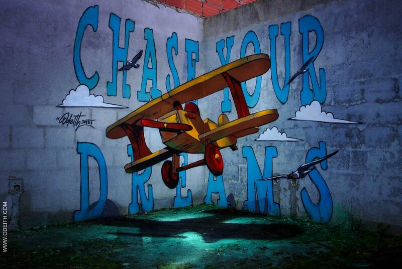 Chase-your-dreams-anamorphic-toy-plane-odeith-2015