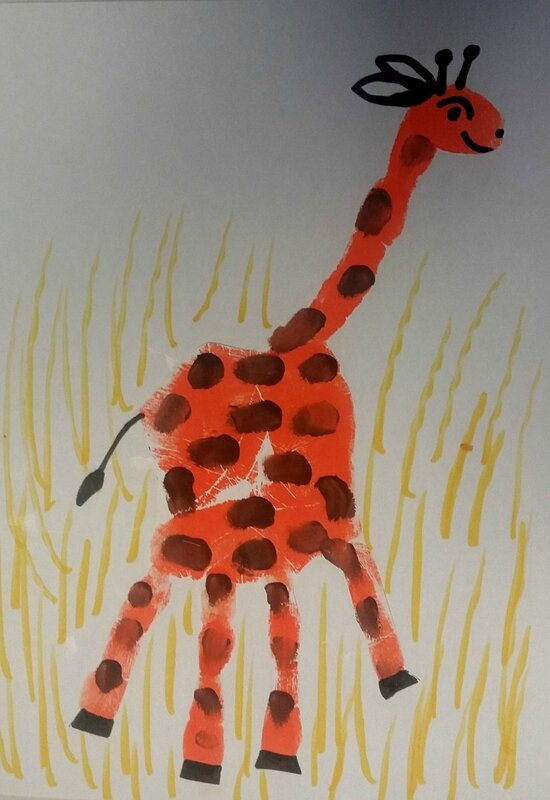 219_Afrique_Une girafe dans la main (52)