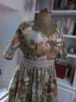 Robe RAYMONDE en coton imprimé ''l'atelier couture'' - manche raglan - longueur genoux - taille unique (8)