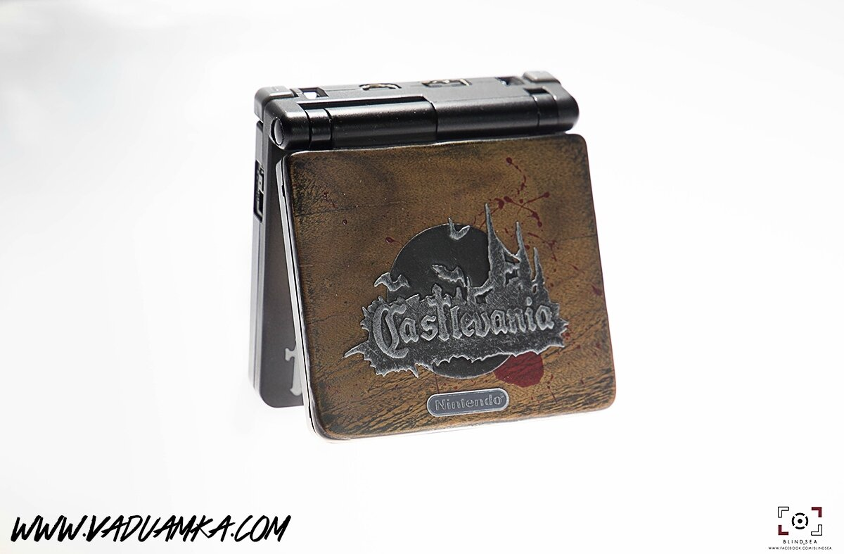 [In Real Wood] Custom GBA SP Castlevania
