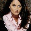 Veronica Donovan / Robin Tunney