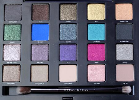 Urban-Decay-Vice-Palette-open