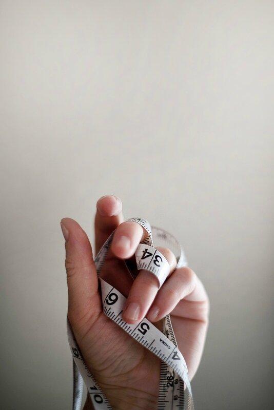 mesurer-bague-doigt-bague-taille