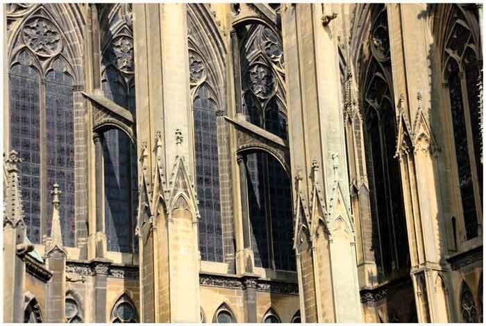 facade-cathedrale-2