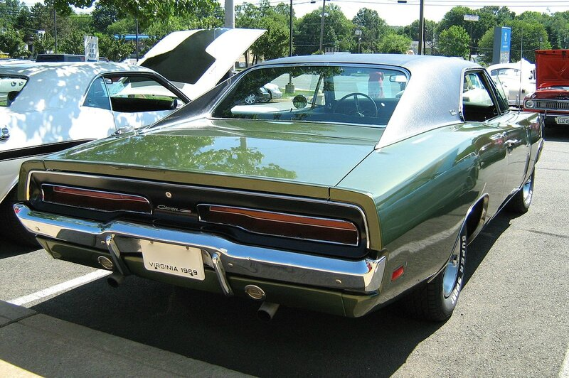 1280px-1969_Dodge_Charger_green_R