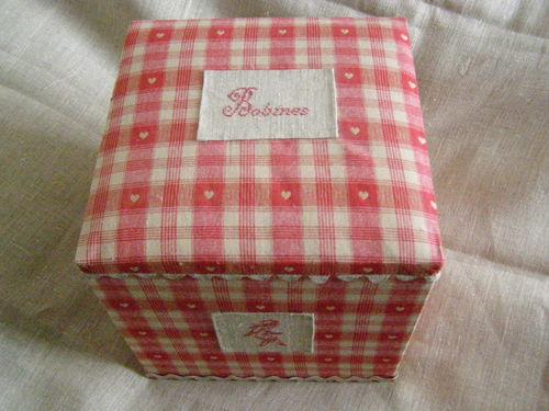 boîte ange rouge