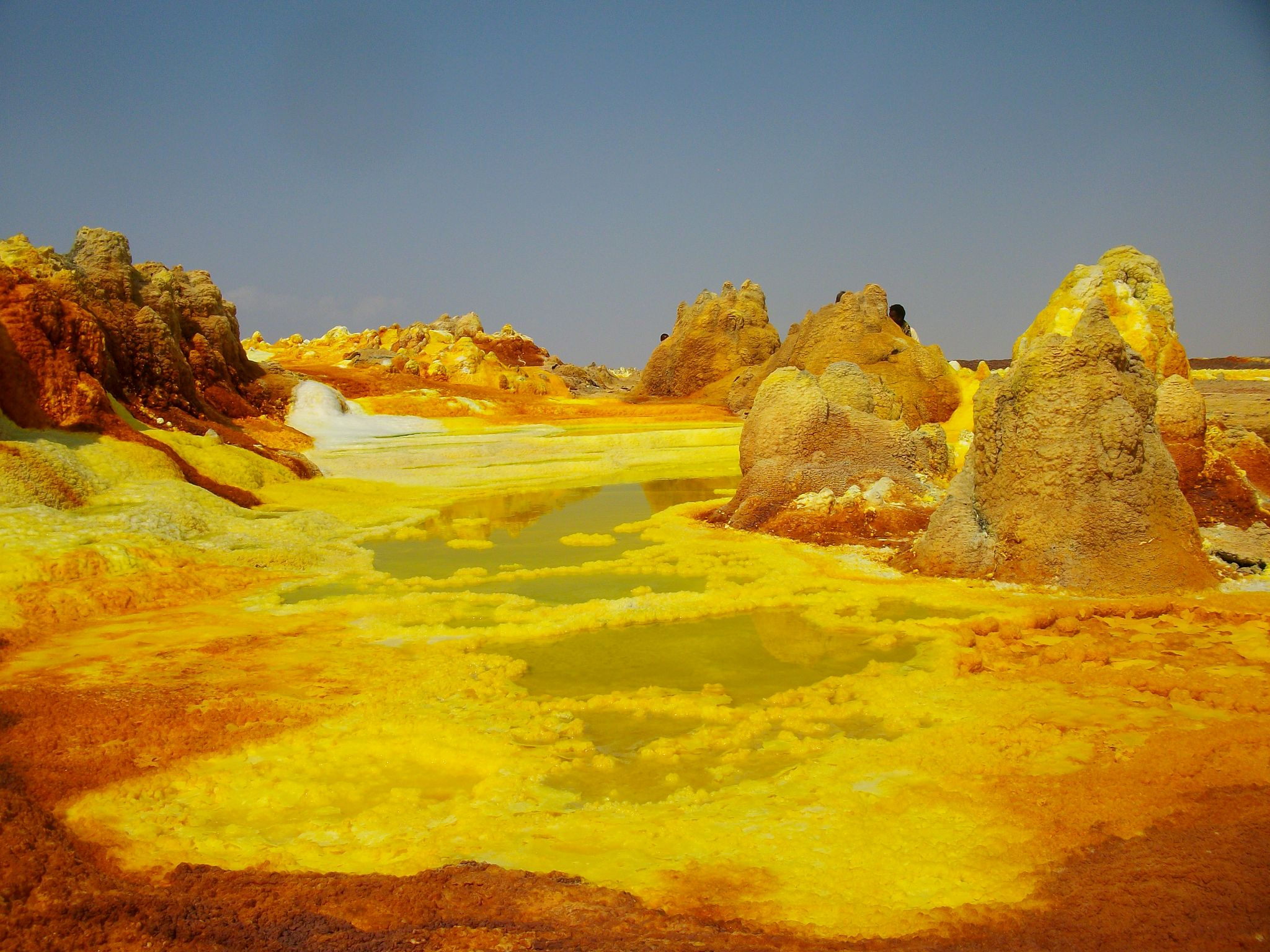 abyss land ,the lowest place in the world ,and the farthest place from the sky ,dallol