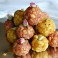 Laddu cardamome-raisins et rose-dattes