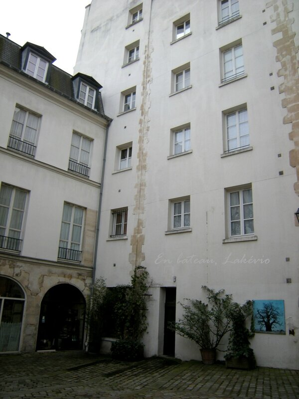 paris cour st paul 2