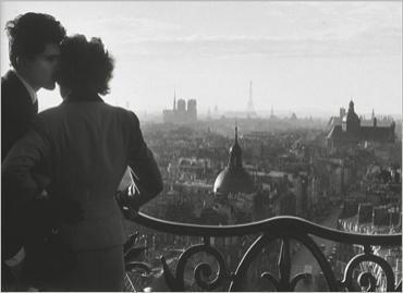 img_Les-amoureux-de-la-Bastille--1957_Willy-RONIS_ref~120
