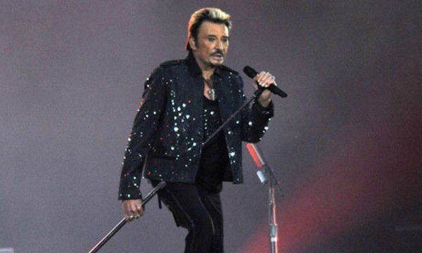 Johnny-Hallyday-In-Concer-007