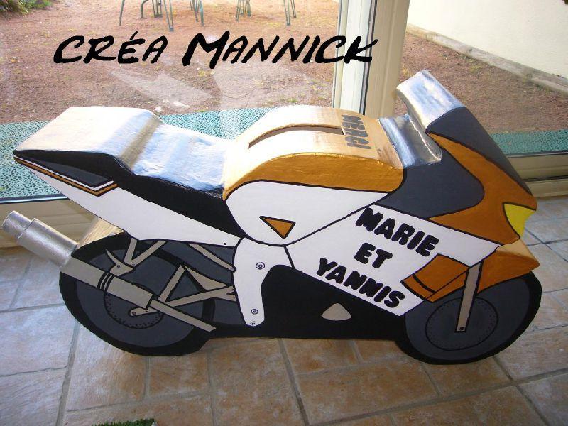 Cagnotte en carton forme de moto cr a mannick - Comment mettre un fer a cheval pour porter bonheur ...