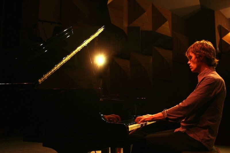 pianiste organiste pour musique d'église mariage cérémonie messe paris 75