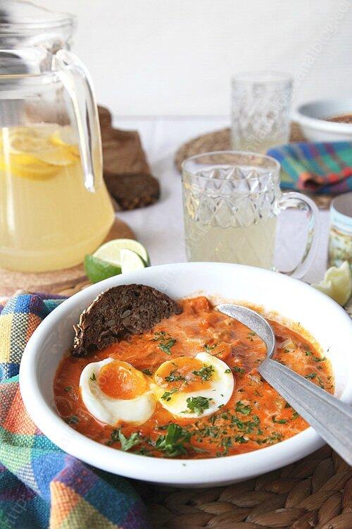 Soupe de curry à l'oeuf