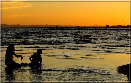 1_silhouette_plage_enfant