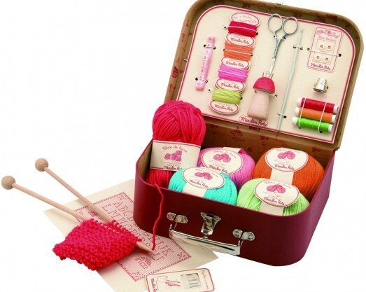 largeMoulin-Roty-Sewing-Kit-710403