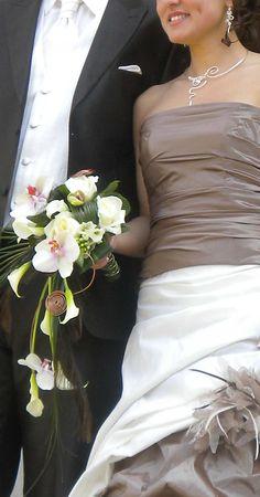 bouquet_mariage_robe_cafe_bijoux
