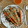Carottes nouvelles rôties sur lit de lentilles vertes, sauce noix de cajou-herbes & petites graines