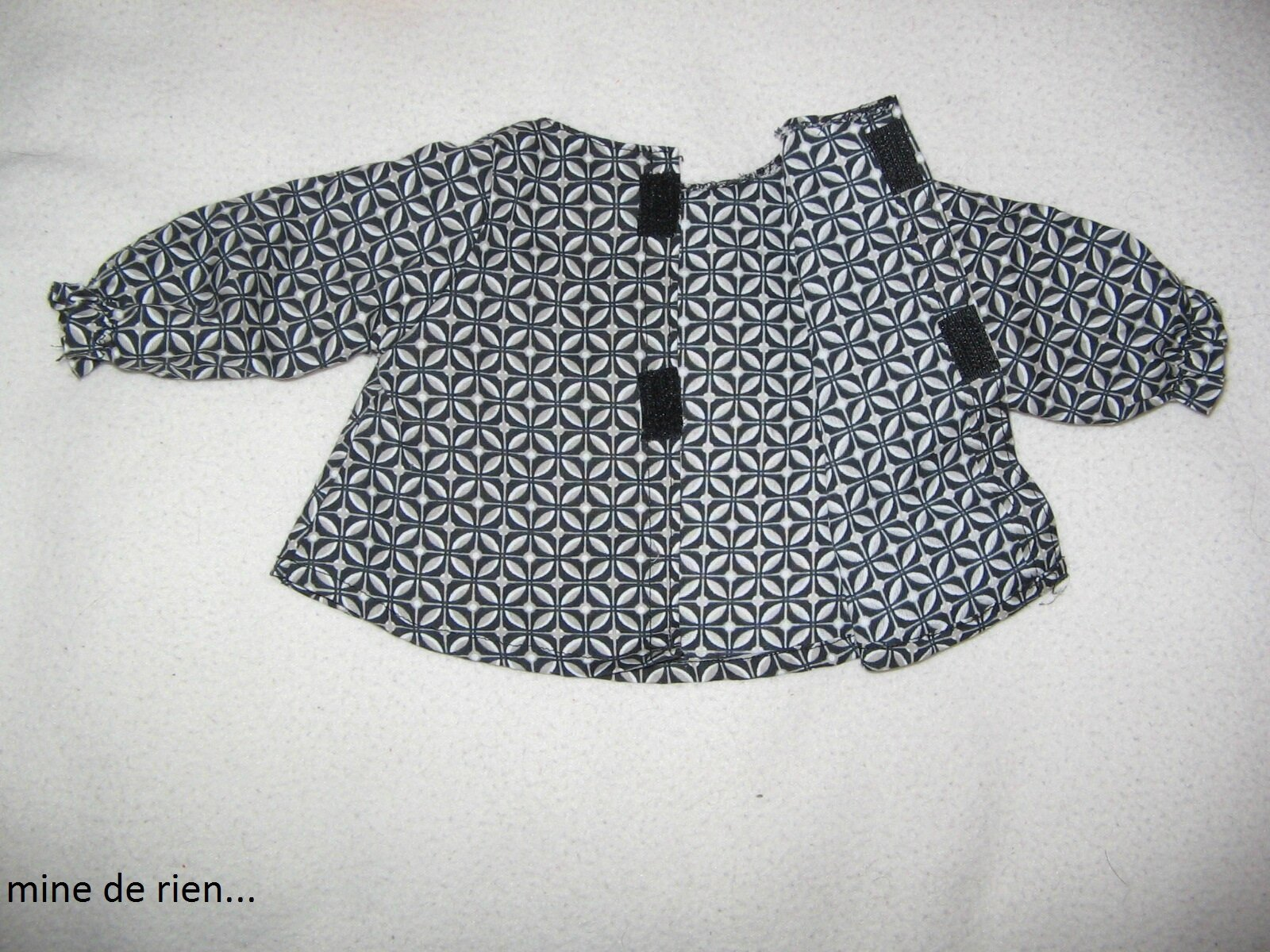 Pin manteau cape on pinterest - Patron gratuit pour poupon 40 cm ...