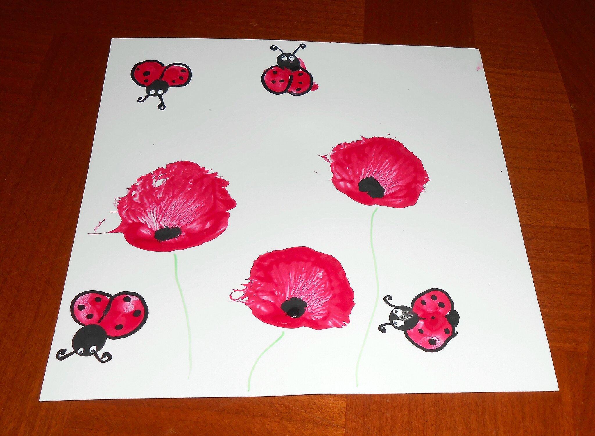 coccinelles abeilles fleurs printemps en empreintes de doigts la maison f erique. Black Bedroom Furniture Sets. Home Design Ideas