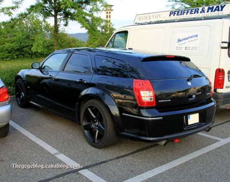 Dodge magnum SRT8 (Rencard Burger King mai 2011) 02