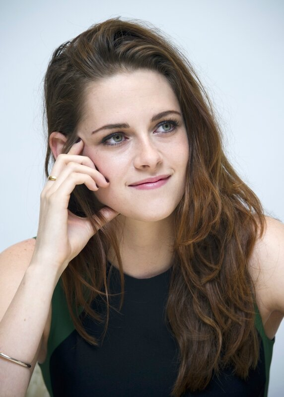 Kristen-Stewart-Height-and-Weight-2014