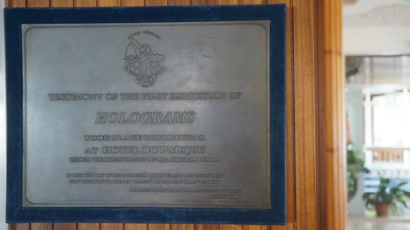 Photo-plaque-Optical-Metrology-Institute-Firsthologram1984