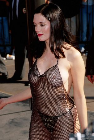 rose_mcgowan_98_mtv_awards_dress