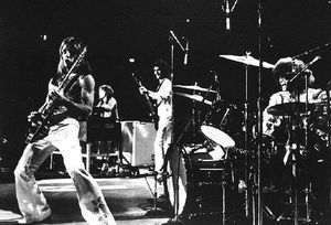 grand_funk_railroad_live_pic1