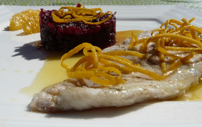 08_Poissons___Filet_de_bar__compot_e_de_betteraves_au_vinaigre_balsamique_et_coulis_d_orange