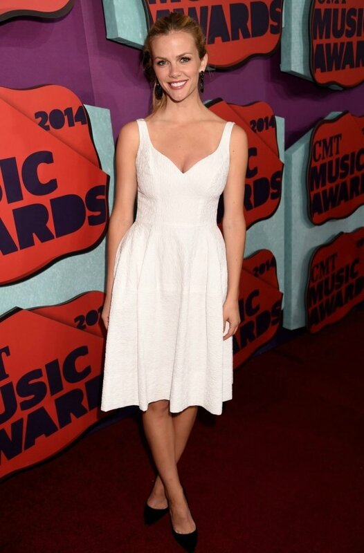 simple petite robe blanc midi