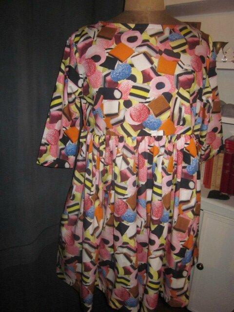 Robe RAYMONDE en coton imprimé Je Vous ai Apporté des Bonbons, manches 3 quart - taille 40 (4)