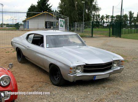 Chevrolet chevelle hardtop coupé de 1971 (Retrorencard aout 2012) 01