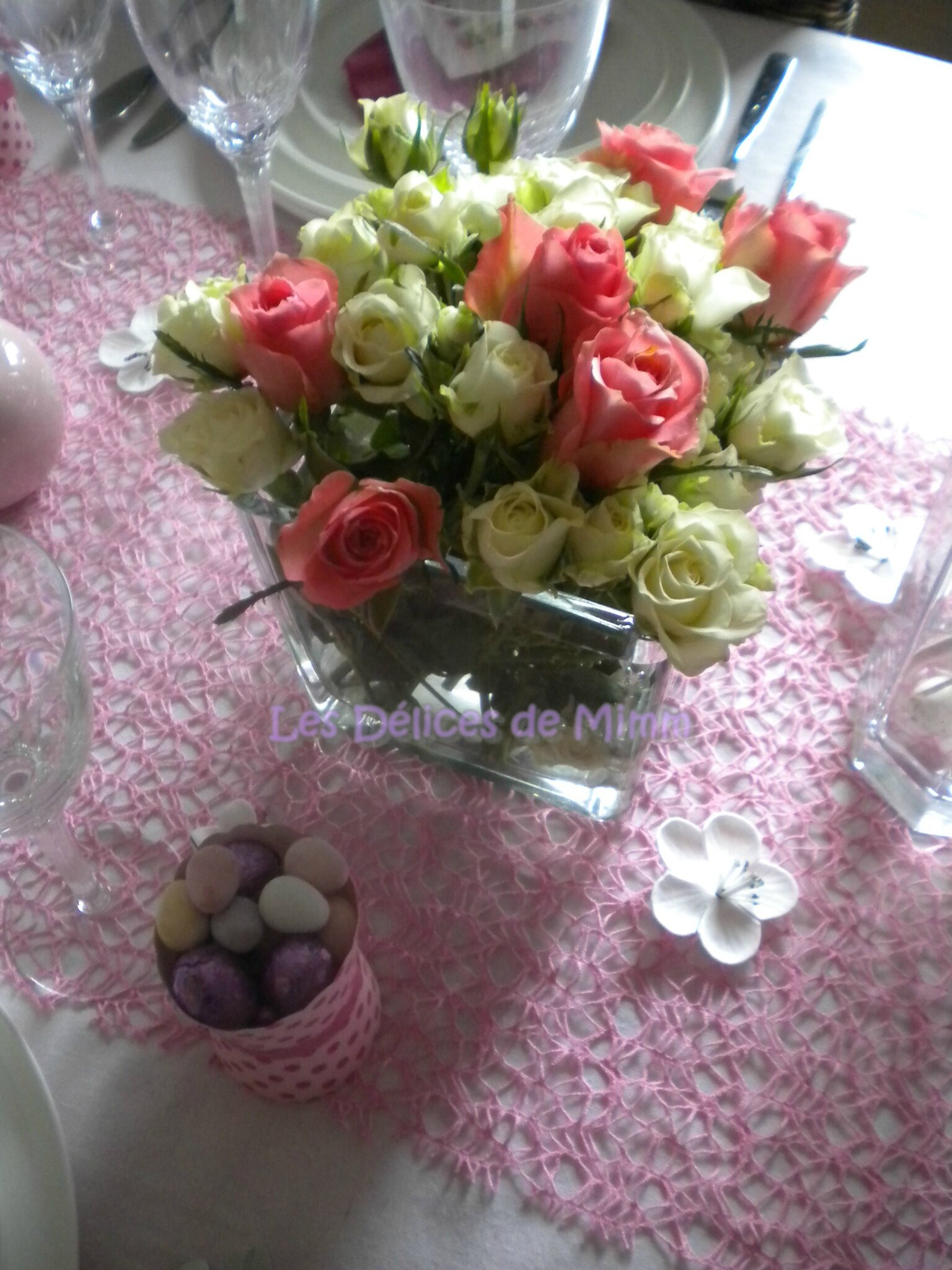 ma table de p ques tr s girly en rose les d lices de mimm. Black Bedroom Furniture Sets. Home Design Ideas