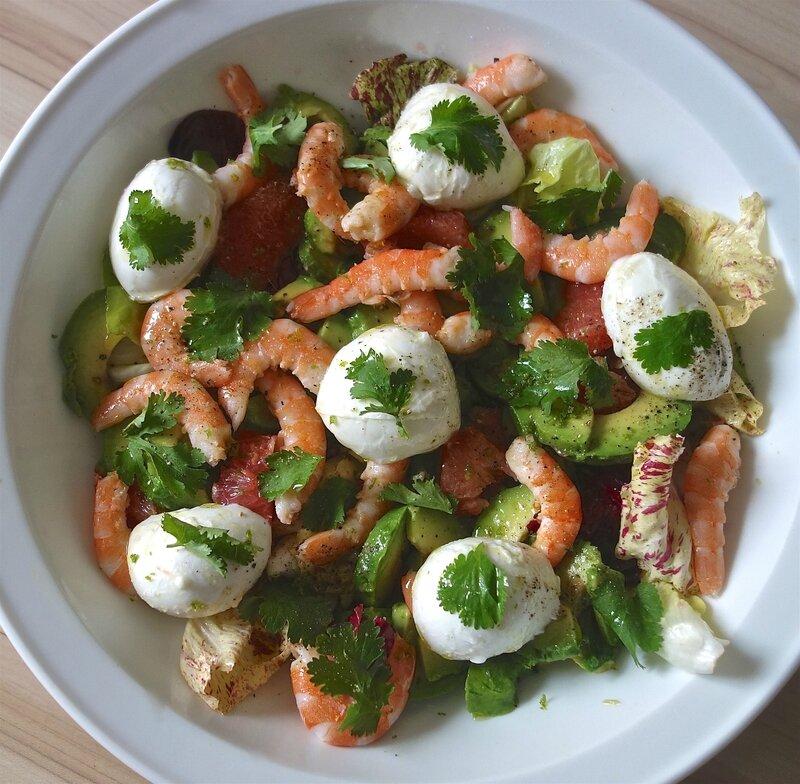 salade fraîcheur avocat-pamplemousse-crevettes-mini mozza