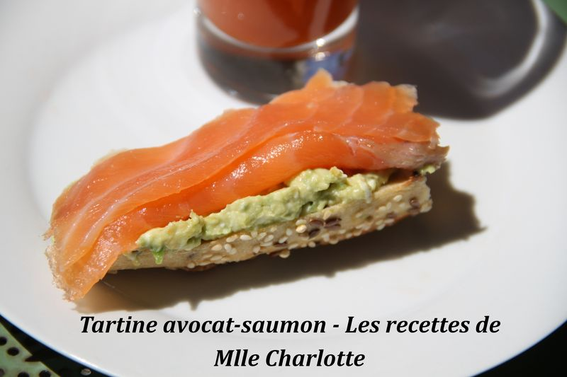 Tartine avocat , saumon