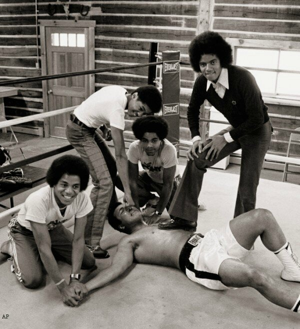 7the-jacksons-muhammad-ali