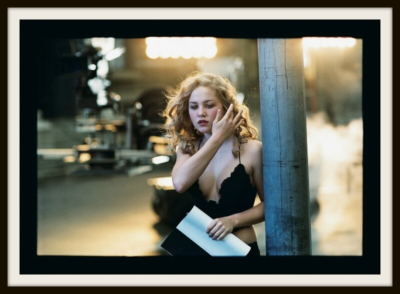 Peter-Lindbergh-2002-Julia-Stiles