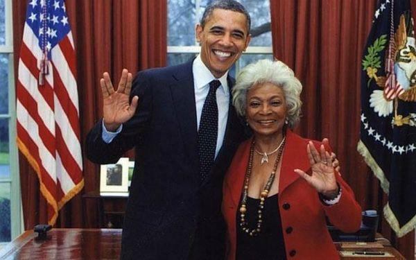Obama-Star Trek-salut vulcain-Uhura-Nichelle Nichols