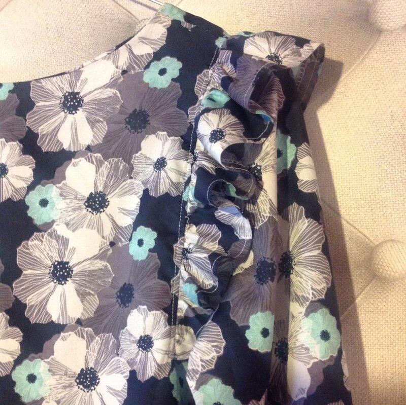 une cousette fleurs pour le 1er mai poppysew. Black Bedroom Furniture Sets. Home Design Ideas