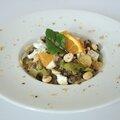 Salade de lentilles aux poireaux, noisettes, orange & chèvre
