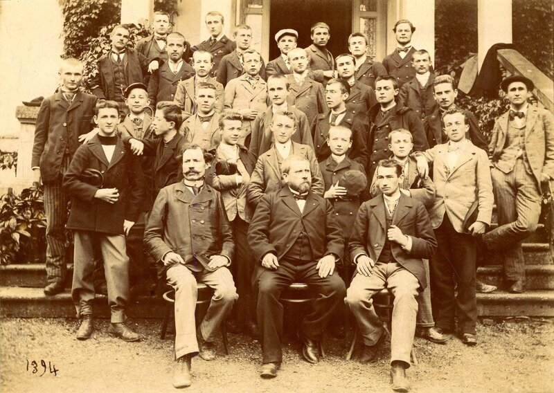 photo de classe en 1894 recto177