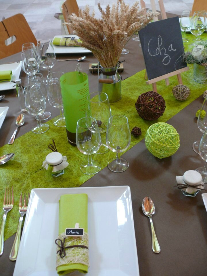 Deco mariage vert anis 28 images bullesdr d 233 for Decoration maison vert anis