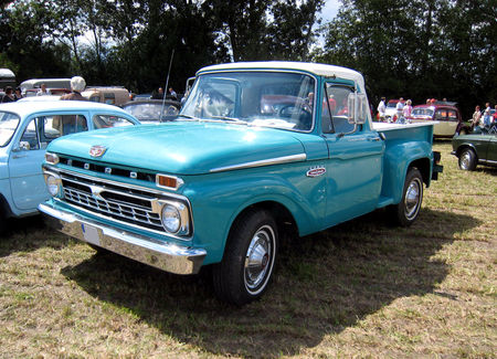 Ford_F_100_custom_cab_flareside_de_1966_01