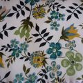 Edenham fleurs jaunes, vertes et bleues, coloris vintage (2010)