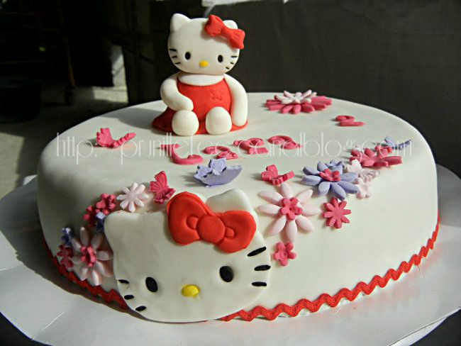 Gateau d'anniversaire kitty
