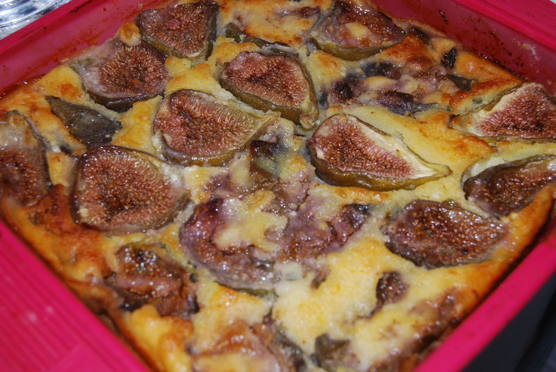 Clafoutis aux figues fra ches humm a vos fourchettes - Cuisiner figues fraiches ...